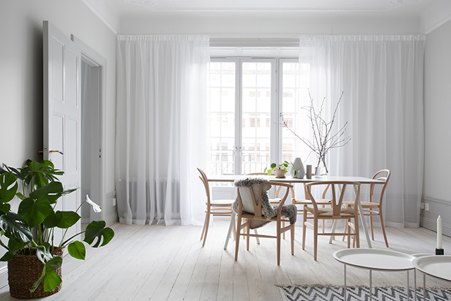 Trang trí nhà đẹp với rèm cửa phong cách Bắc Âu Scandinavian