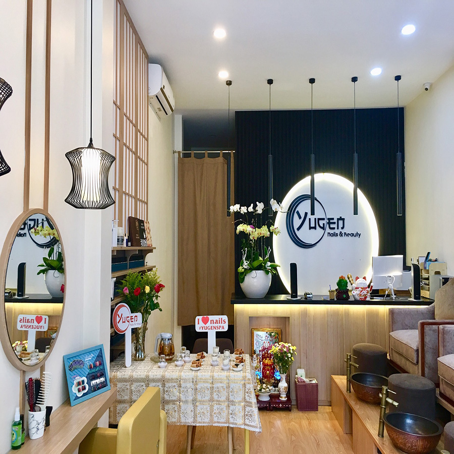 Rèm Noren doorway phong cách Nhật Bản tại Yugen Nails & Spa