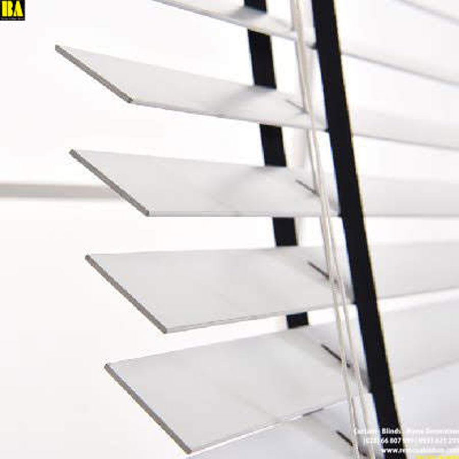 Màn sáo gỗ bản 35mm Màu Trắng Phối Dây Đen Màn Cửa Sổ SG30